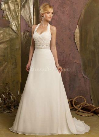 Milyen esküvői ruhát válasszon egy telt keblű menyasszony?
