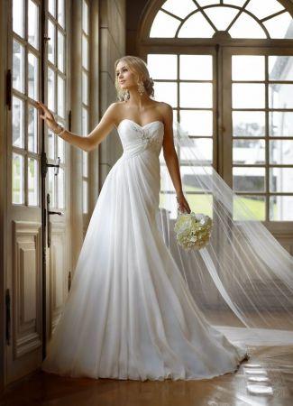 Egy tradicionális fazon: az empire szabású menyasszonyi ruha