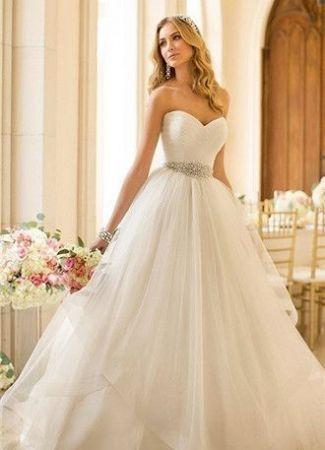 778e87e83f Ruhakölcsönző Blog - Boglárka Esküvői- és Táncruha Szalon